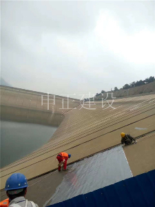 水库大坝外壁防腐